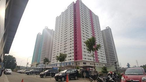 Bagaimana parkir Apartemen Green Pramuka City 1